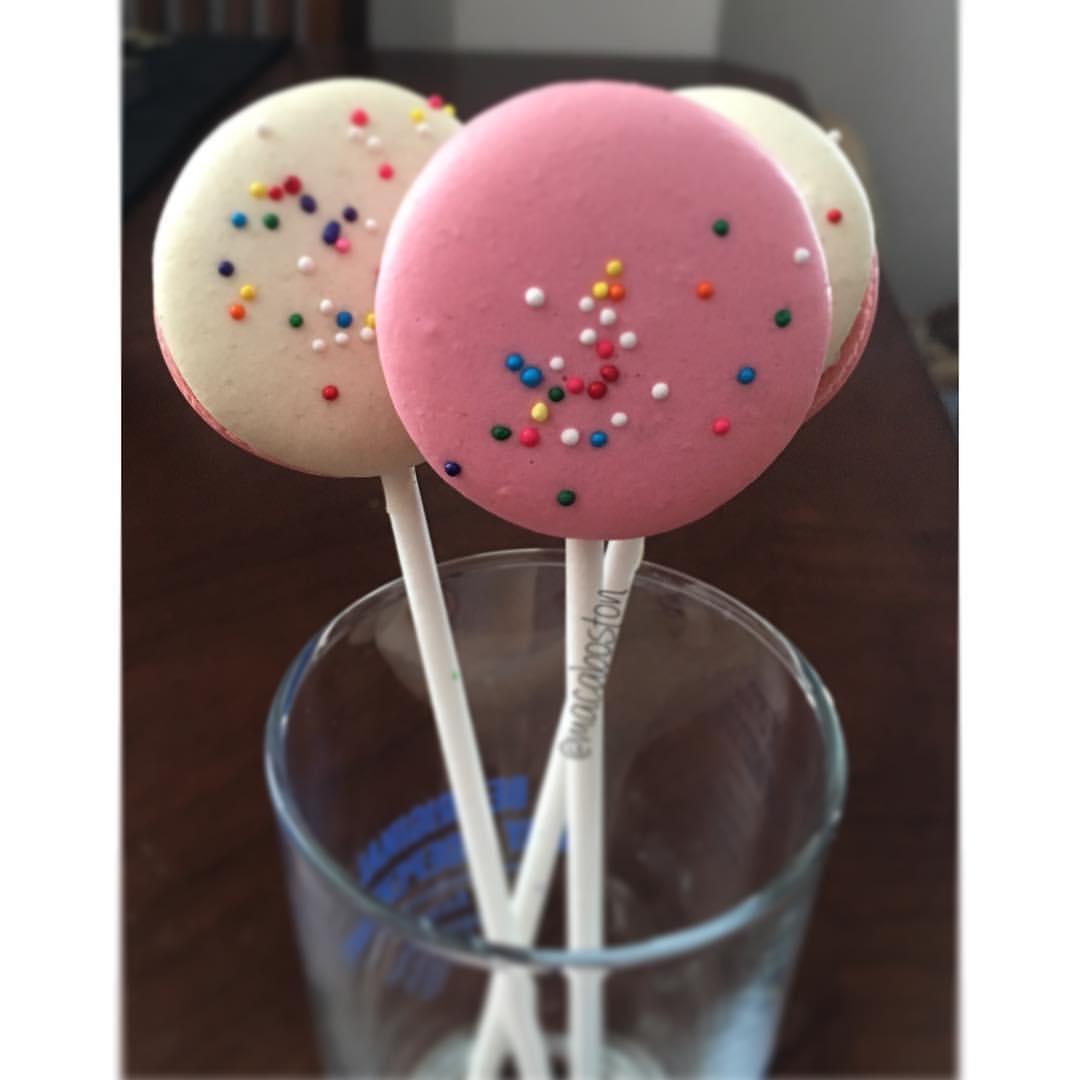 Baby Shower Macaron Pops