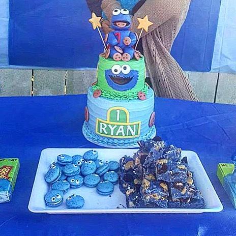 Cookie Monster Macas