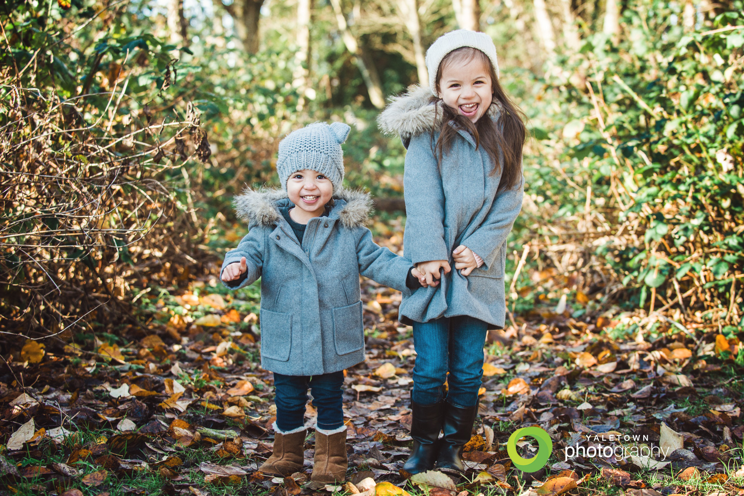 sisters-kids-photography-children-photo-forest-fall-portraits-yaletown-photography-photo