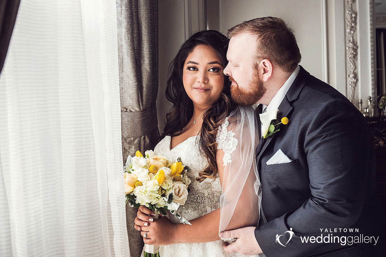 rosewood-hotel-georgia-wedding-vancouver-wedding-photographer-yellow-flowers-yaletown-photography-photo