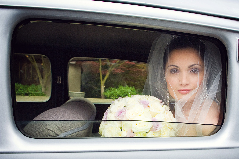 Vintage Car-Bride-Vancouver-Wedding-Yaletown Photography-Photo