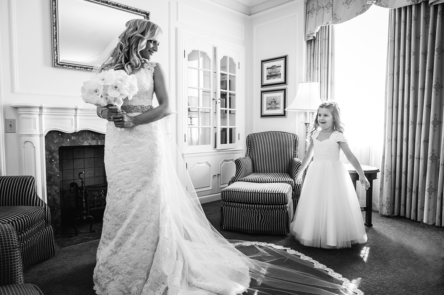 flower-girl-excitement-fairmont-hotel-vancouver-yaletown-photography-photo