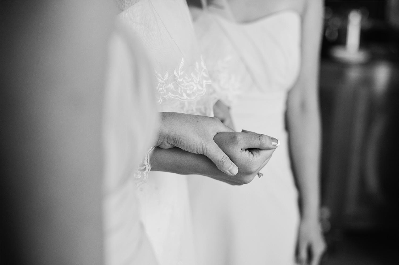 Gloria-Gavin-Rosewood-Hotel-Georgia-wedding-Wedluxe-feature-Yaletown-Photography007.jpg