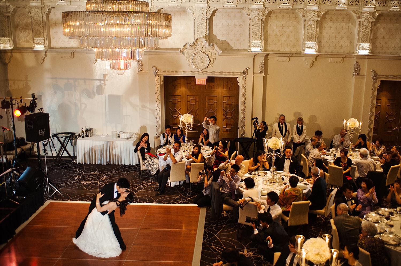 Gloria-Gavin-Rosewood-Hotel-Georgia-wedding-Wedluxe-feature-Yaletown-Photography017.jpg