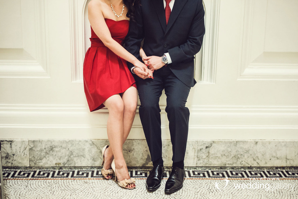 vancouver-art-gallery-engagement-photo-yaletown-photography-vancouver-wedding-photographer-02