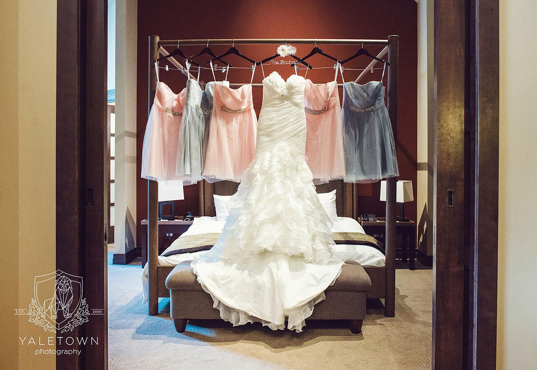 whistler-wedding-nita-lake-lodge-yaletown-photography-vancouver-wedding-photographer-02-photo.jpg