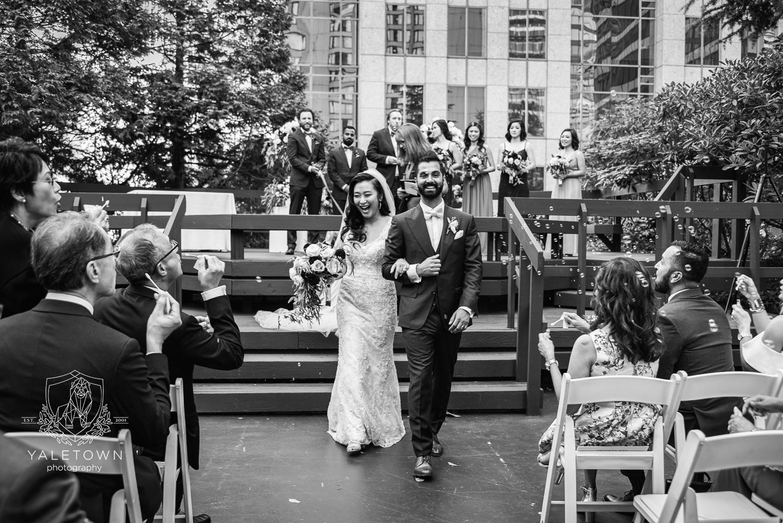 rooftop-garden-wedding-ceremony-four-seasons-hotel-vancouver-wedding-yaletown-photography-photo.jpg