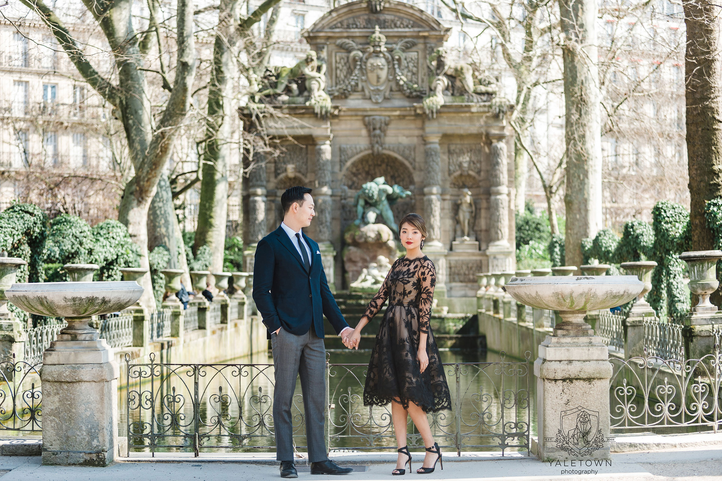 paris-engagement-session-jardin-du-luxembourg-yaletown-photography-vancouver-wedding-photographer-paris-wedding-photographer-photo