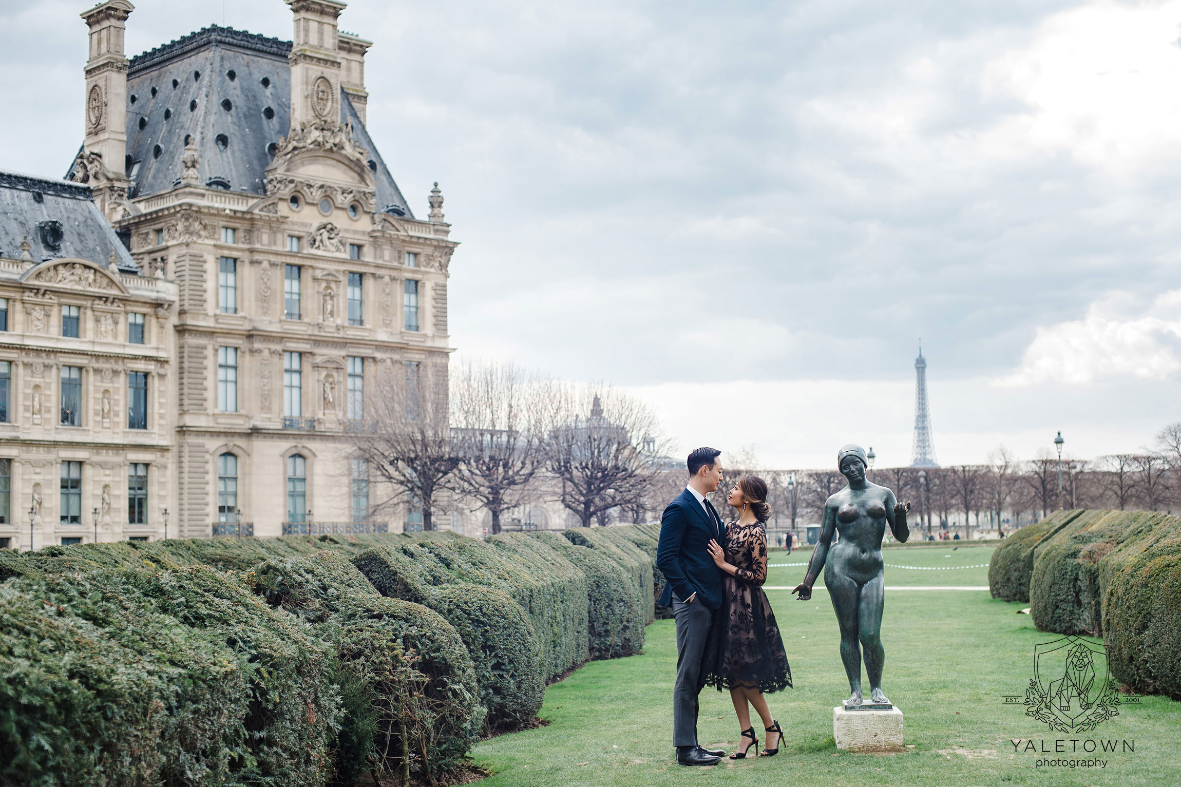 paris-engagement-session-jardin-des-tuileries-yaletown-photography-vancouver-wedding-photographer-paris-wedding-photographer-photo