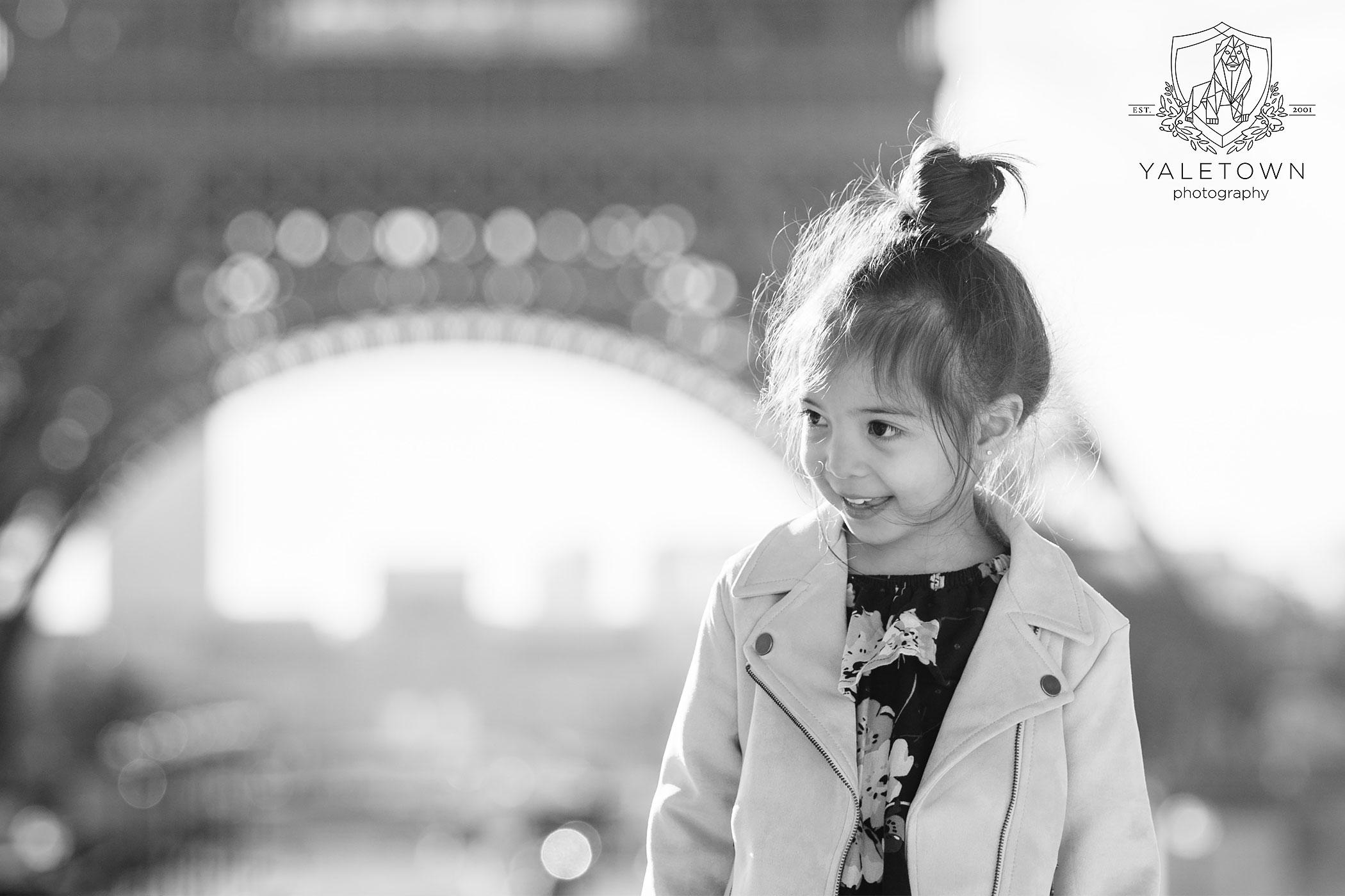 paris-family-portrait-session-eiffel-tower-pont-neuf-yaletown-photography-photo