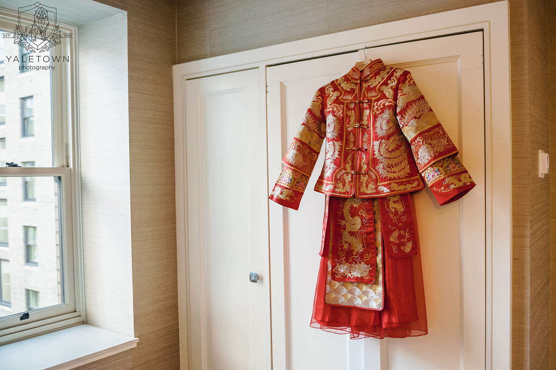 Chinese-Tea-Ceremony-Bridal-Gown-Rosewood-Hotel-Georgia-Vancouver-Wedding-Yaletown-Photography-photo