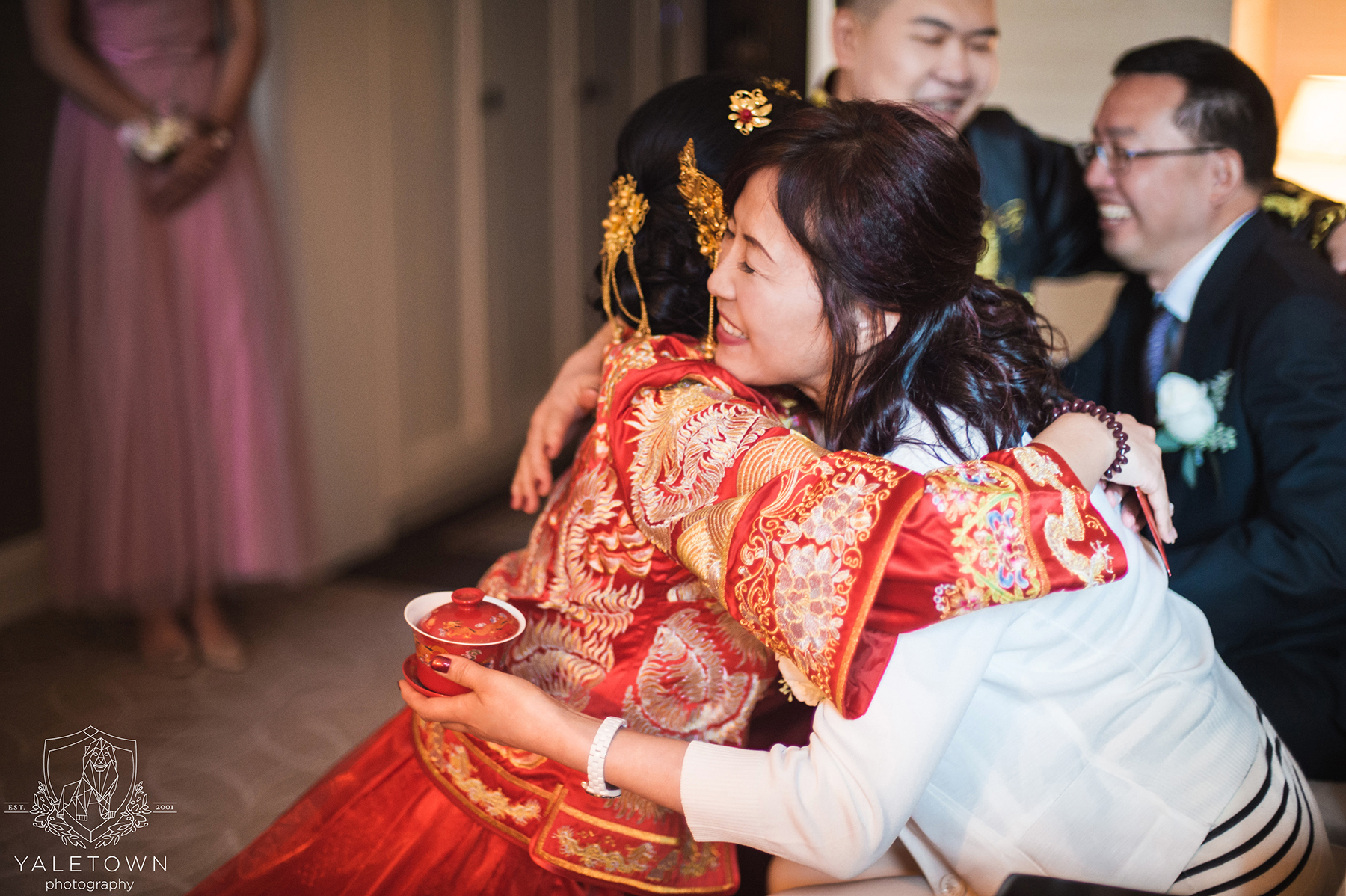 Chinese-Tea-Ceremony-Bride-Groom-Rosewood-Hotel-Georgia-Vancouver-Wedding-Yaletown-Photography-photo