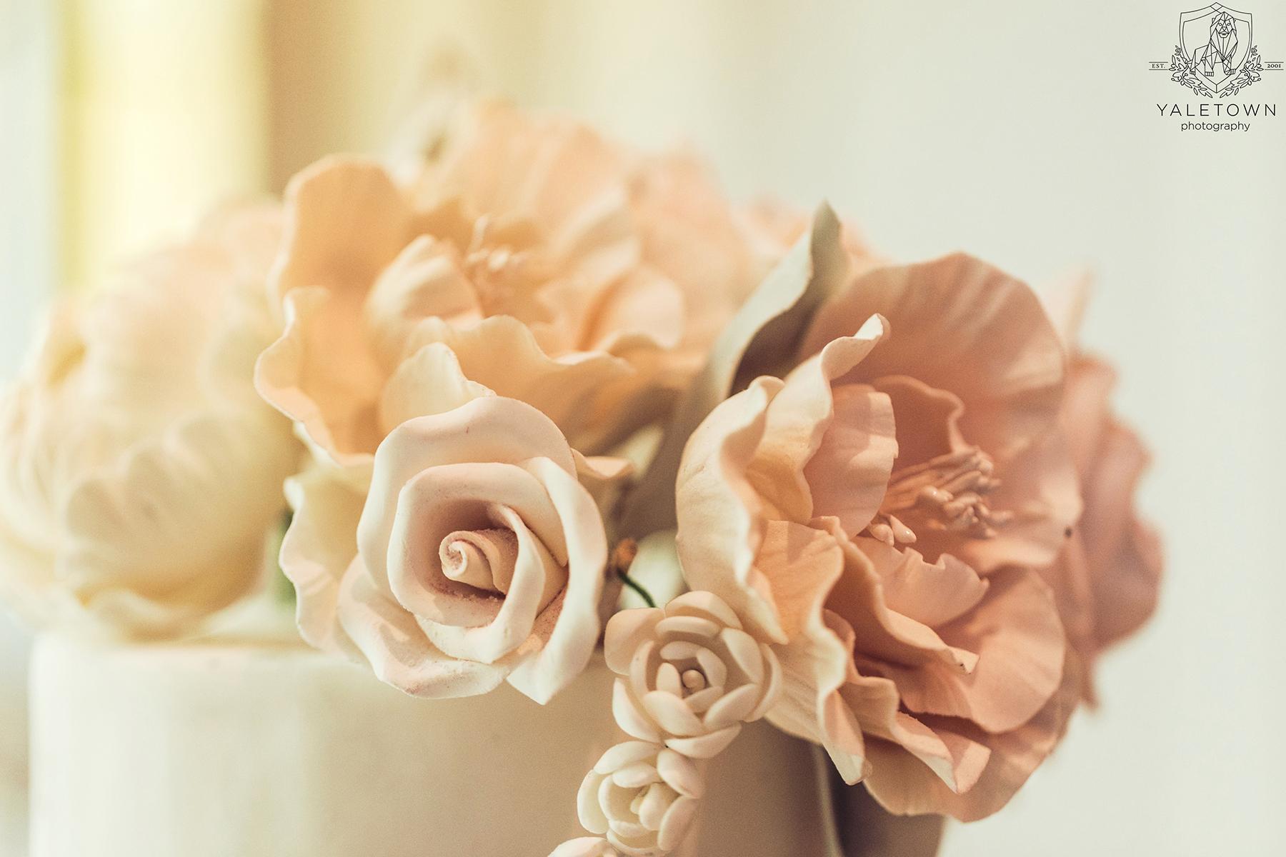 Wedding-Cake-Details-Rosewood-Hotel-Georgia-Vancouver-Wedding-Yaletown-Photography-photo