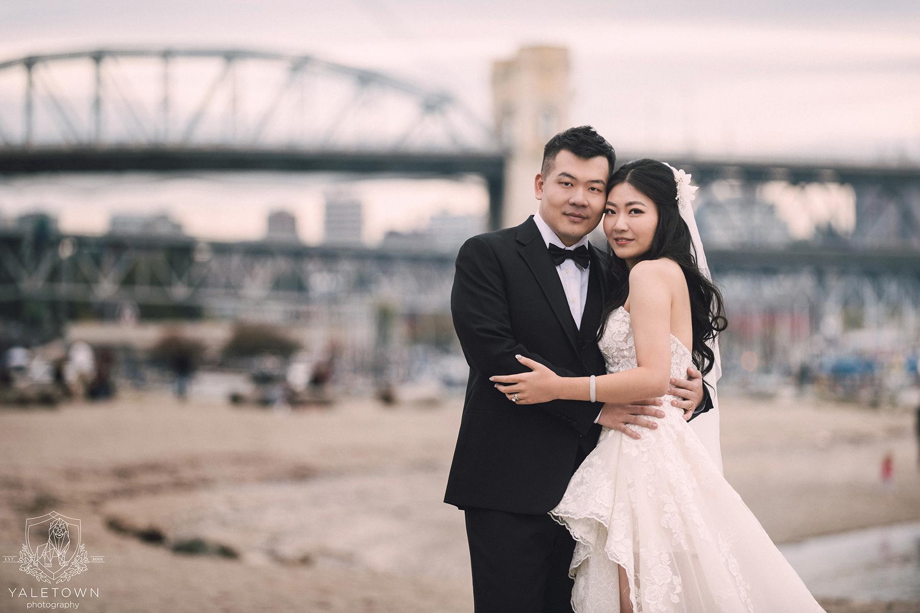 Sunset-Beach-Burrard-Bridge-Bride-Groom-Rosewood-Hotel-Georgia-Vancouver-Wedding-Yaletown-Photography-photo