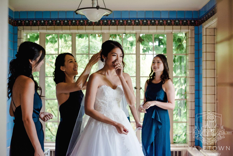Hycroft-Manor-Rosewood-Hotel-Georgia-Vancouver-Wedding-Yaletown-Photography-photo-08.jpg