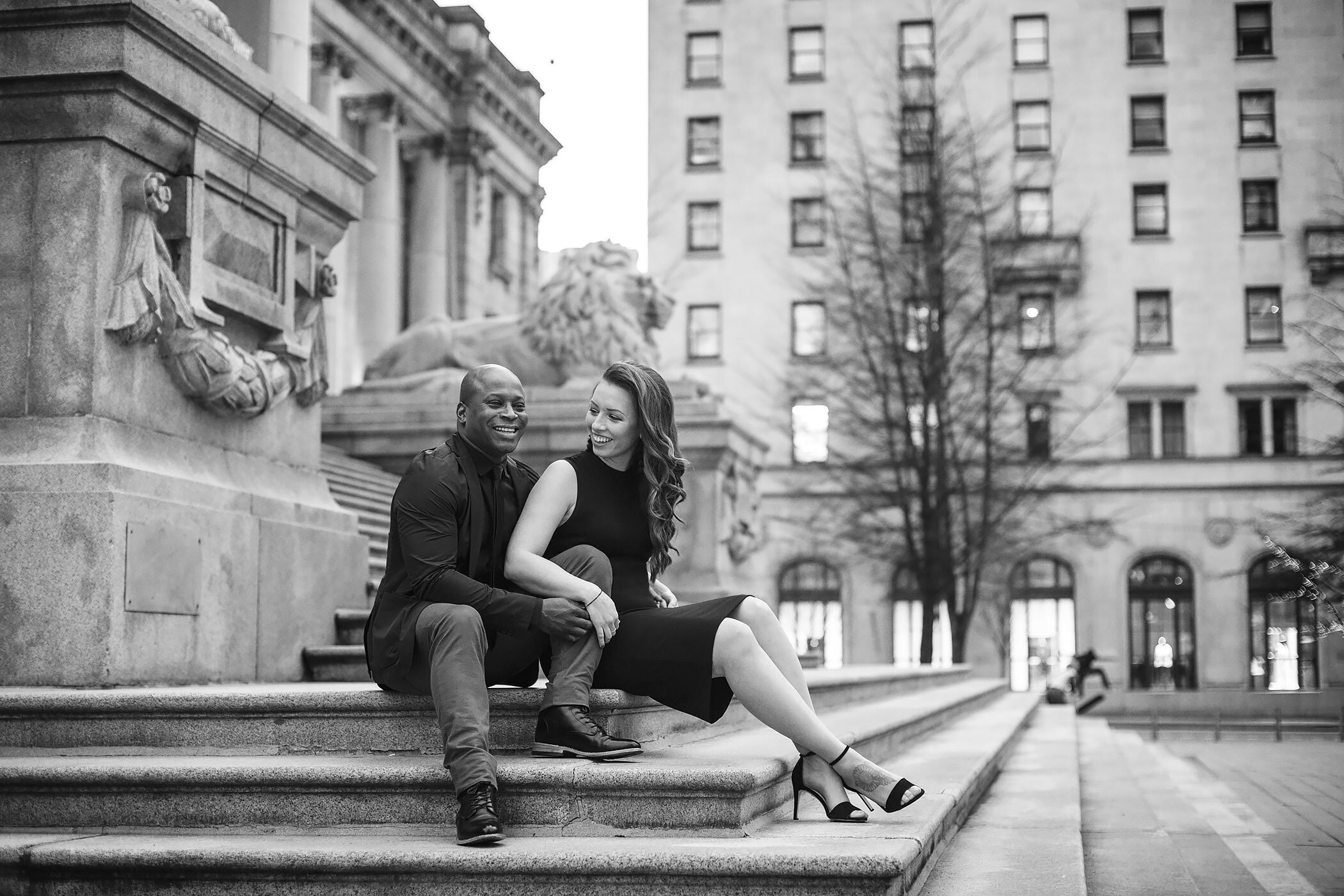 Vancouver-Art-Gallery-Engagement-Photo-Yaletown-Photography