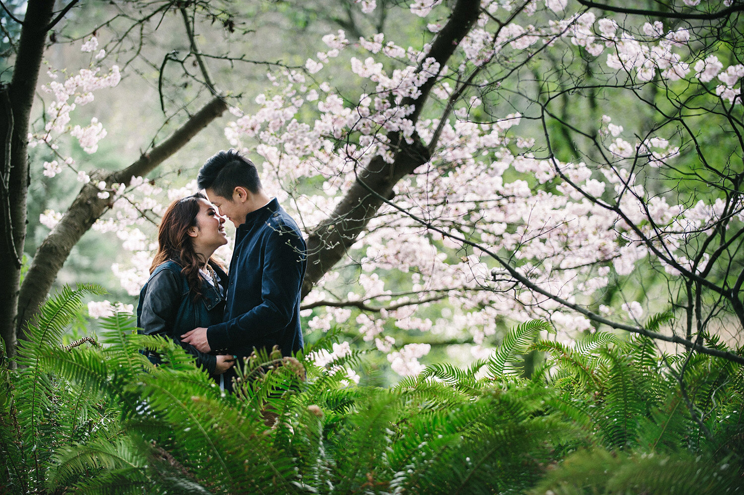 Vancouver-cherry-blossom-engagement-session-yaletown-photography-photo