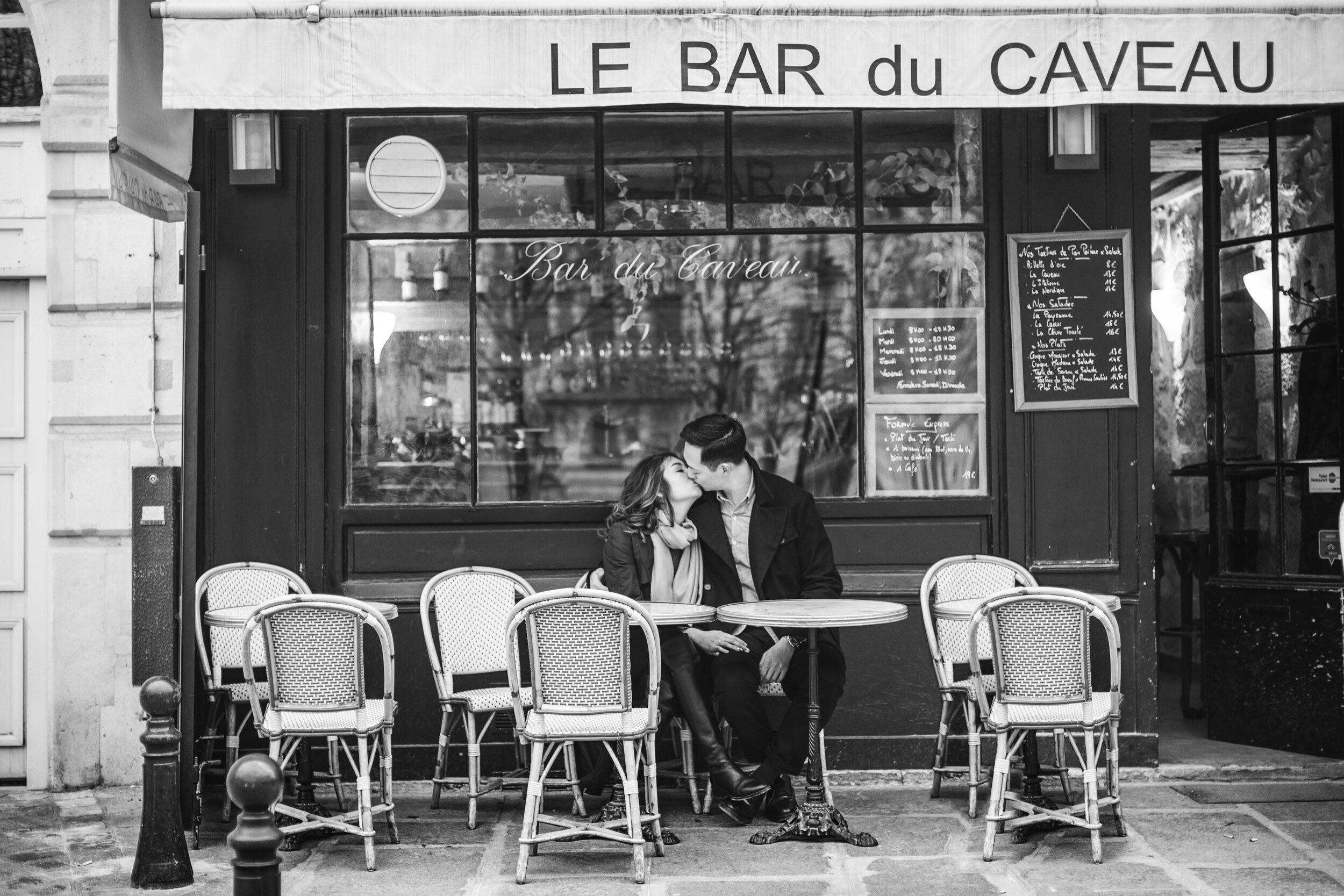 Paris-cafe-engagement-session-yaletown-photography-photo