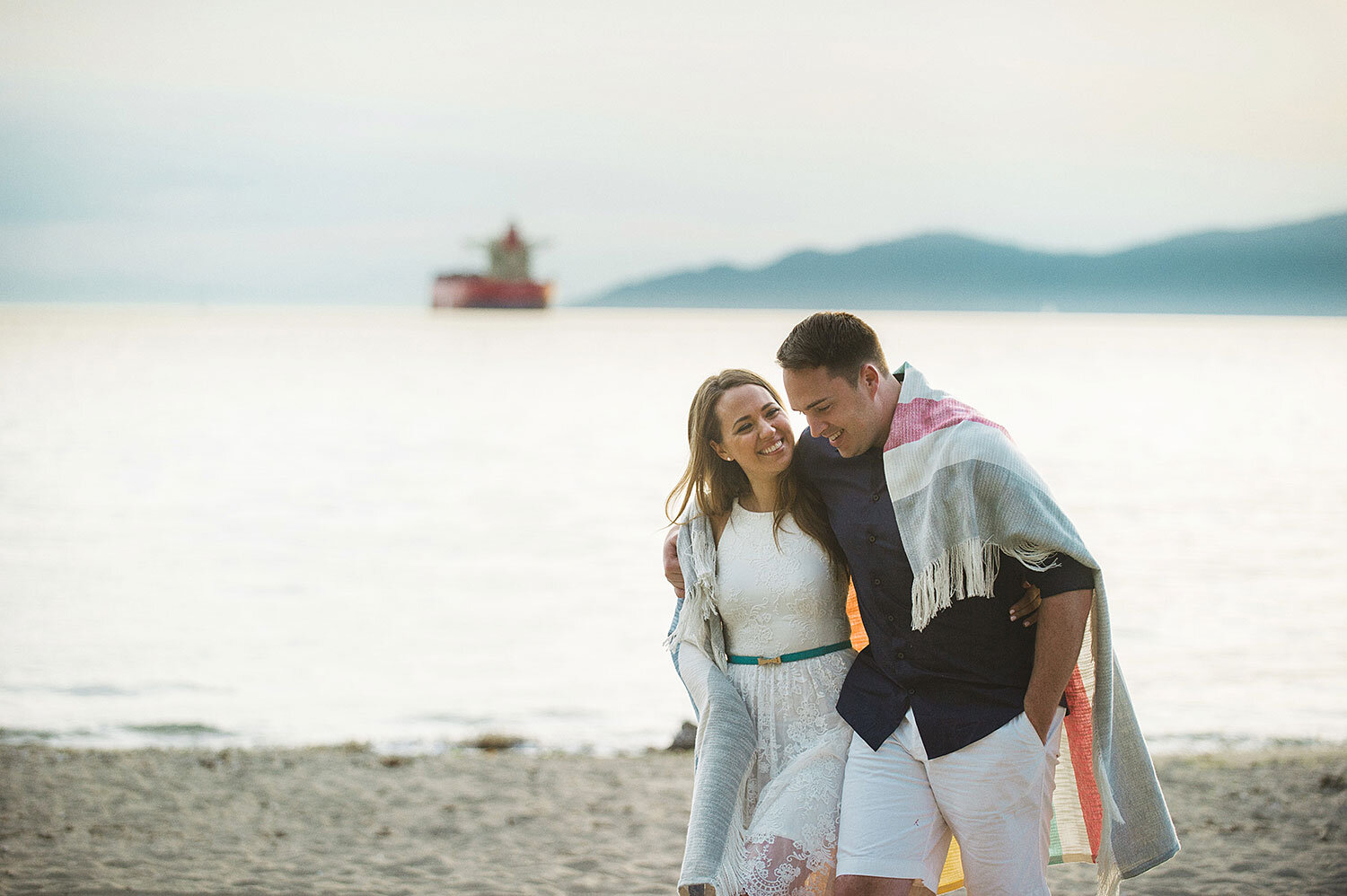 Vancouver-beach-sunset-engagement-session-yaletown-photography-photo