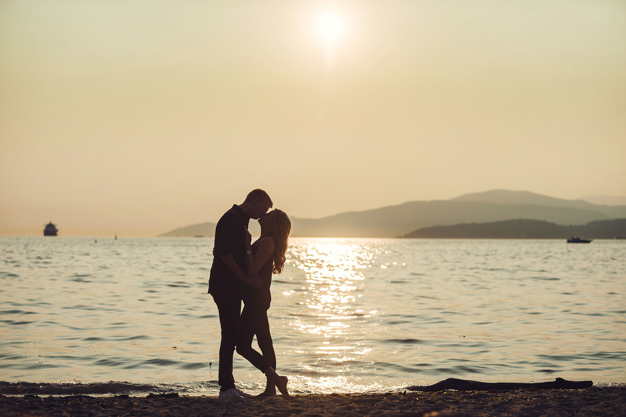 Vancouver-beach-sunset-session-yaletown-photography-photo