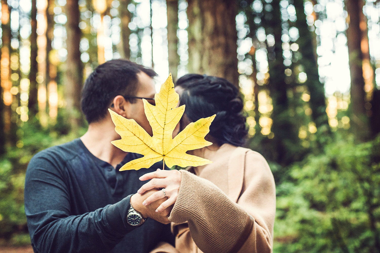 Vancouver-fall-engagement-session-yaletown-photography-photo
