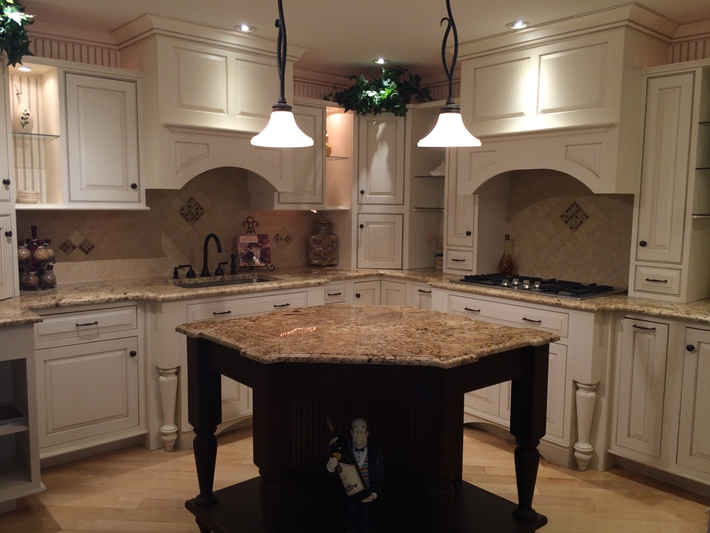 Medallion Cabinetry | Style: Inset Chelsea