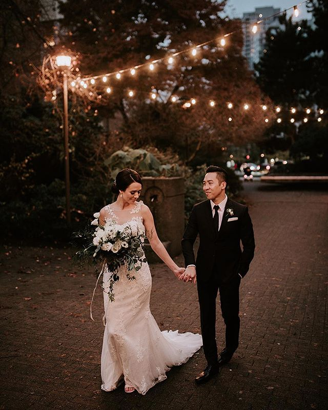 🤩So excited to share photos from my last wedding of 2018! 👰🏻♥️🤵🏻P&A are absolutely magical ✨ 📸  Photography by @efraserphoto . . . . #bride #weddingday #instawedding #vancouver  #vancouverwedding #vancouverweddings #vancouverevents #vancouverbride #vancouverbridal #weddinginspo #wedding #weddingplanner