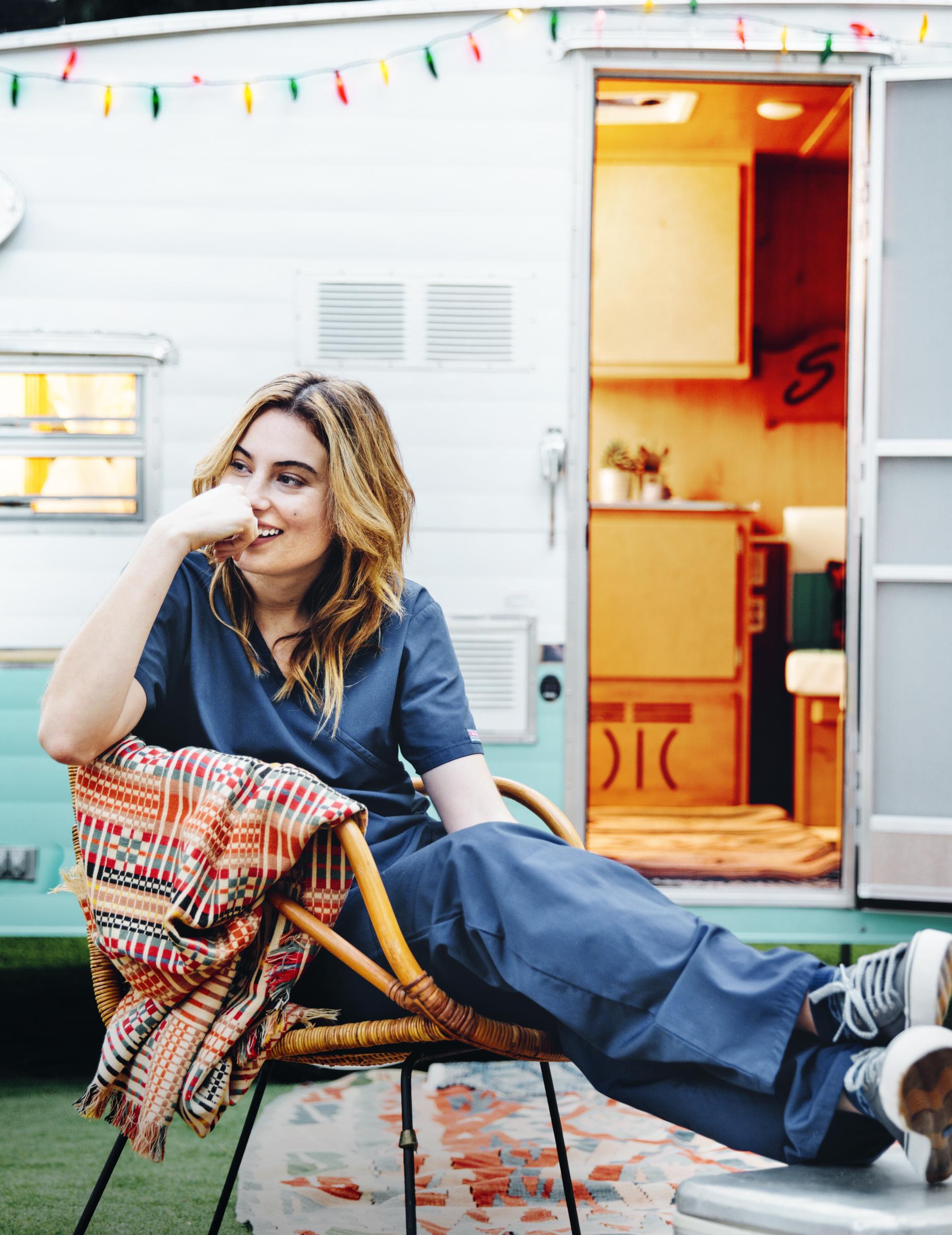 girl_&_trailer_0326_V2_final.jpg