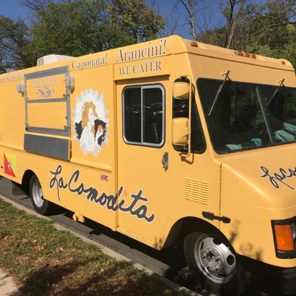 La Comodita Food Truck.jpg