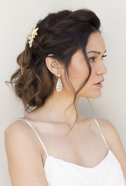 casual-elegance-styled-shoot-messy-updo-with-hair-pins.jpg