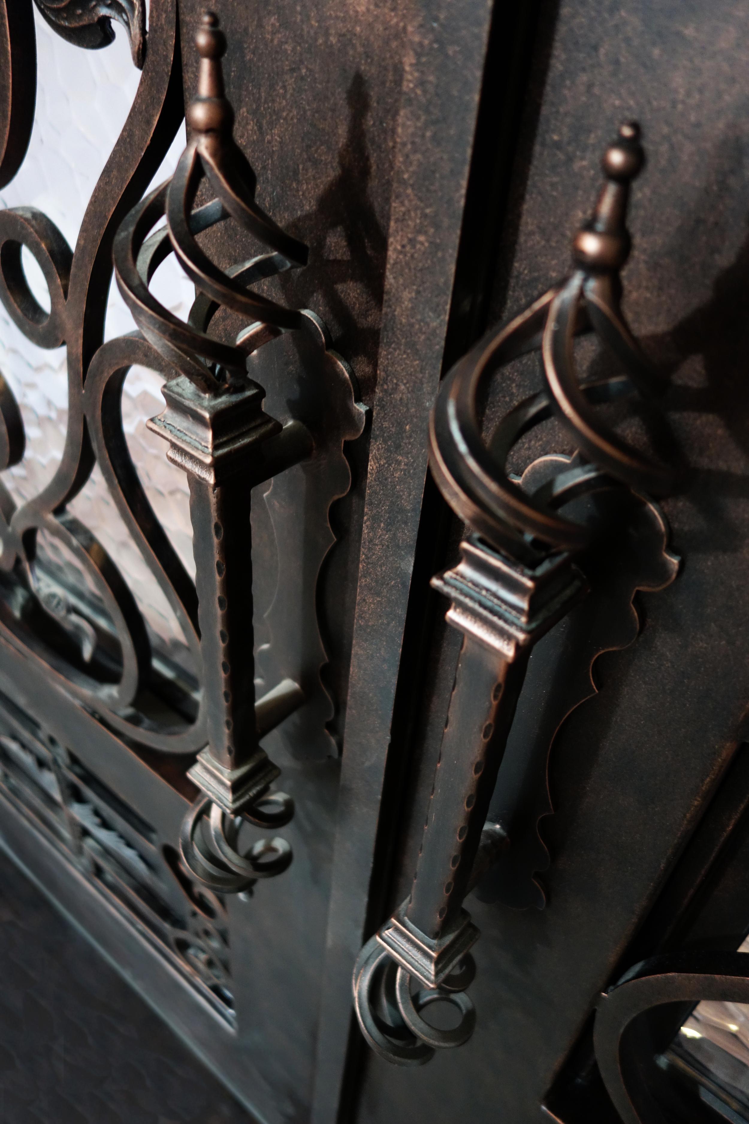 Bella Grande door handles PNG.png