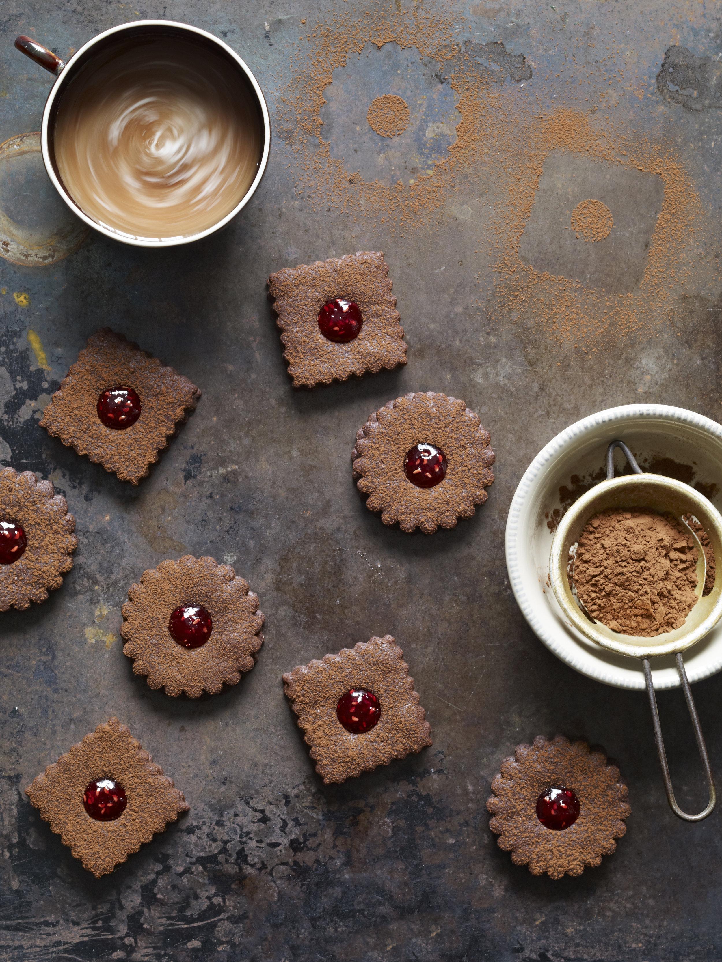 chocolate_linzer_cookies.jpg