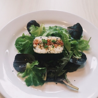 New premium side joins our line up today:salmon musubi (organic greens not included.)