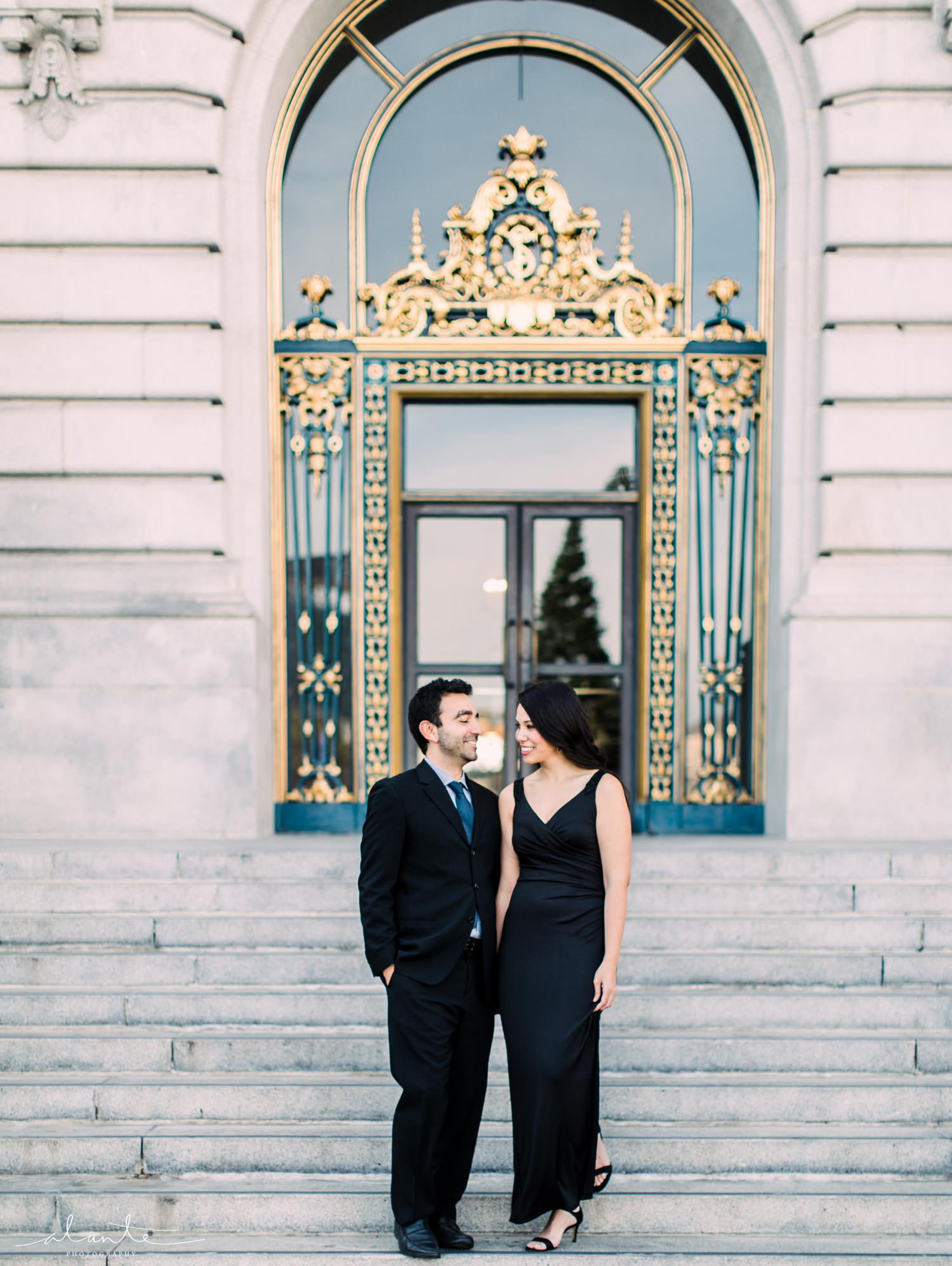 san-francisco-city-hall-engagement_012.jpg