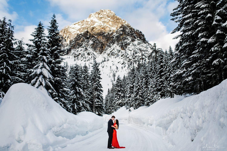 winter-snow-engagement-photos-08.jpg