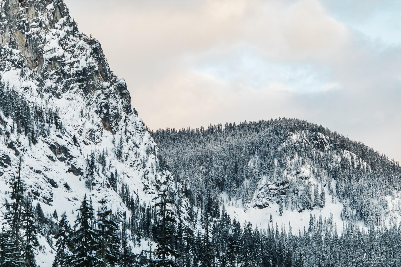 winter-snow-engagement-photos-10.jpg