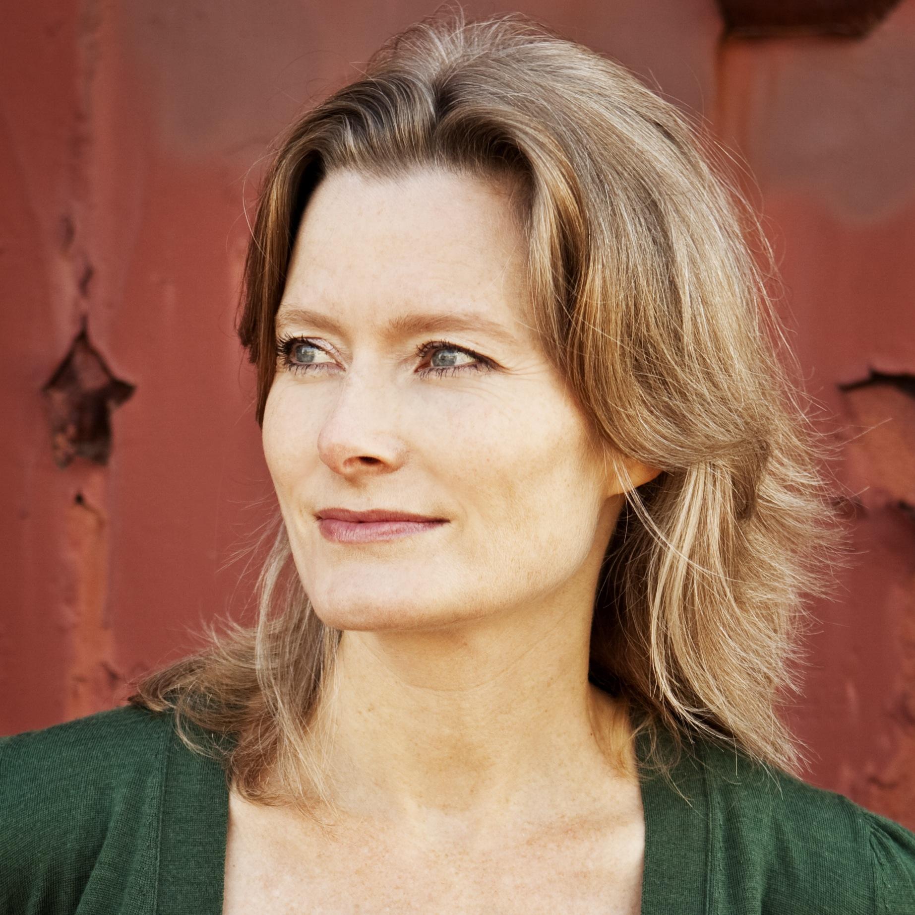 Photo of Jennifer Egan by Pieter M. Van Hattem