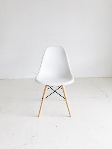 White Eames Chair   Price: $30
