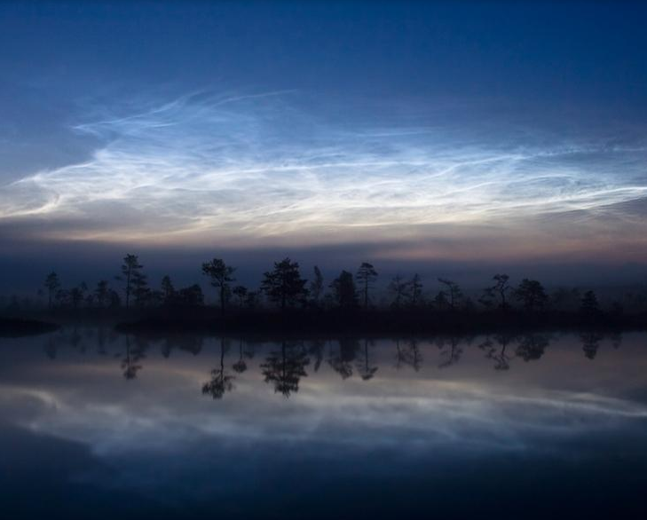 Born of Meteor Dust, Unusual Clouds Appear in Sky