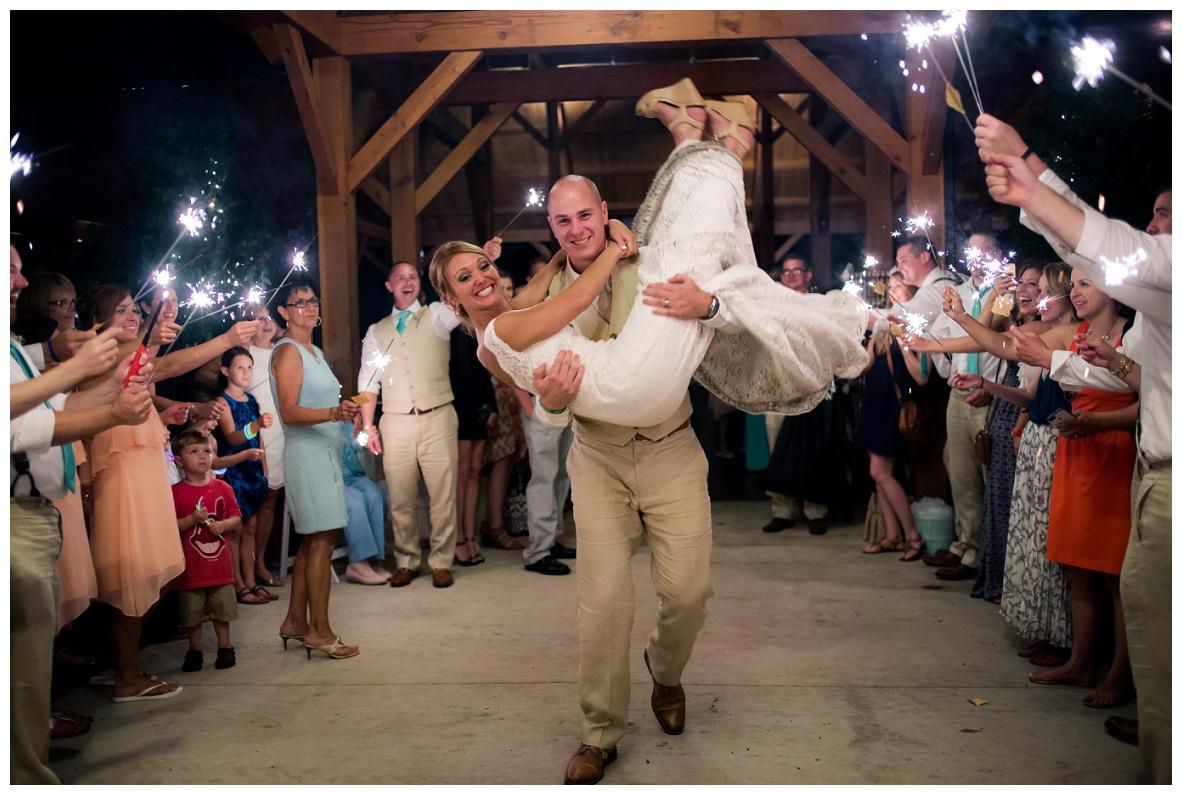 Cleveland Wedding Photographers Ashley and Todd_0148.jpg