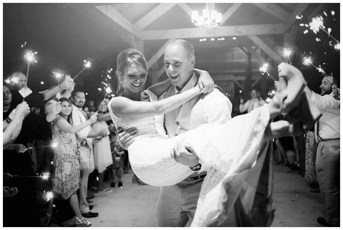 Cleveland Wedding Photographers Ashley and Todd_0149.jpg