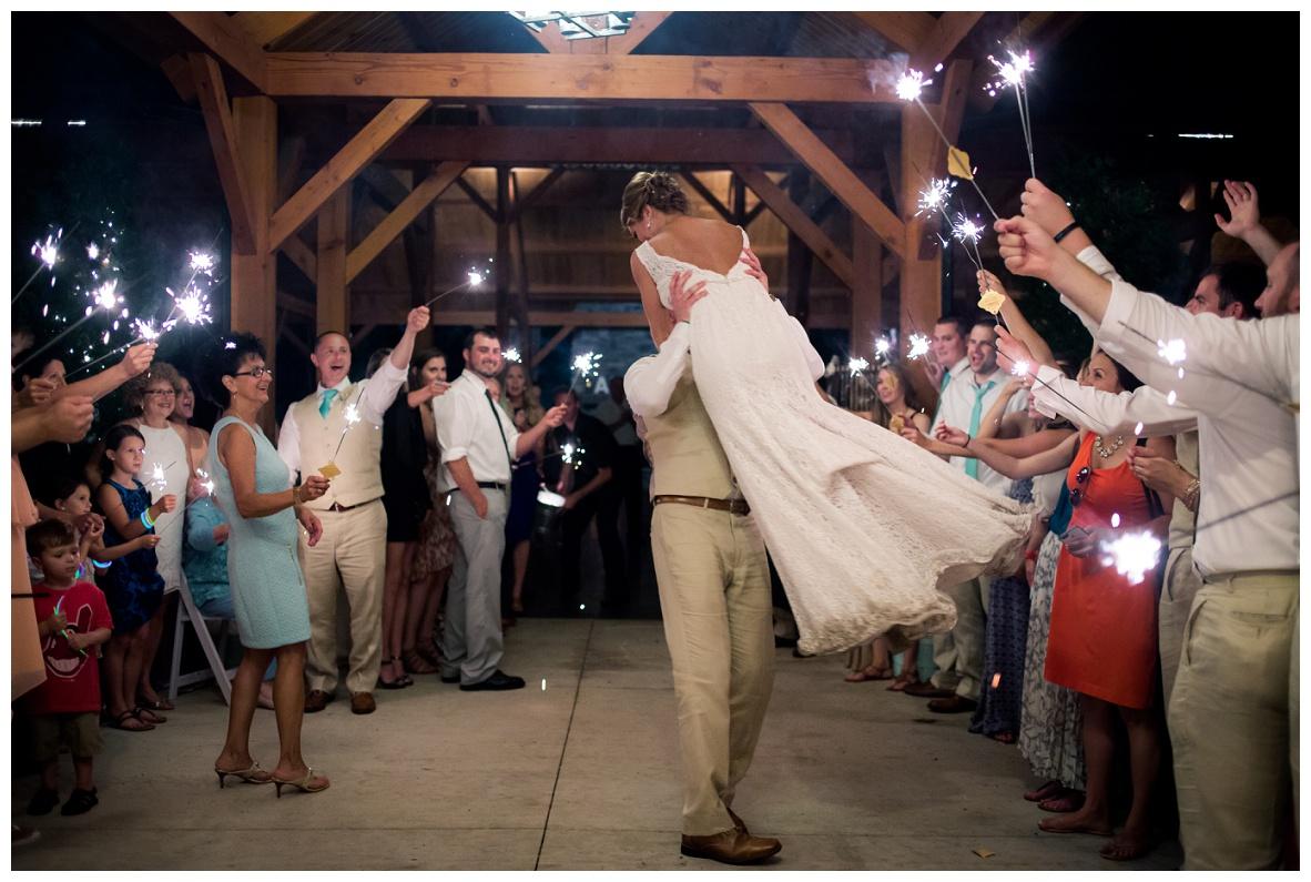 Cleveland Wedding Photographers Ashley and Todd_0146.jpg