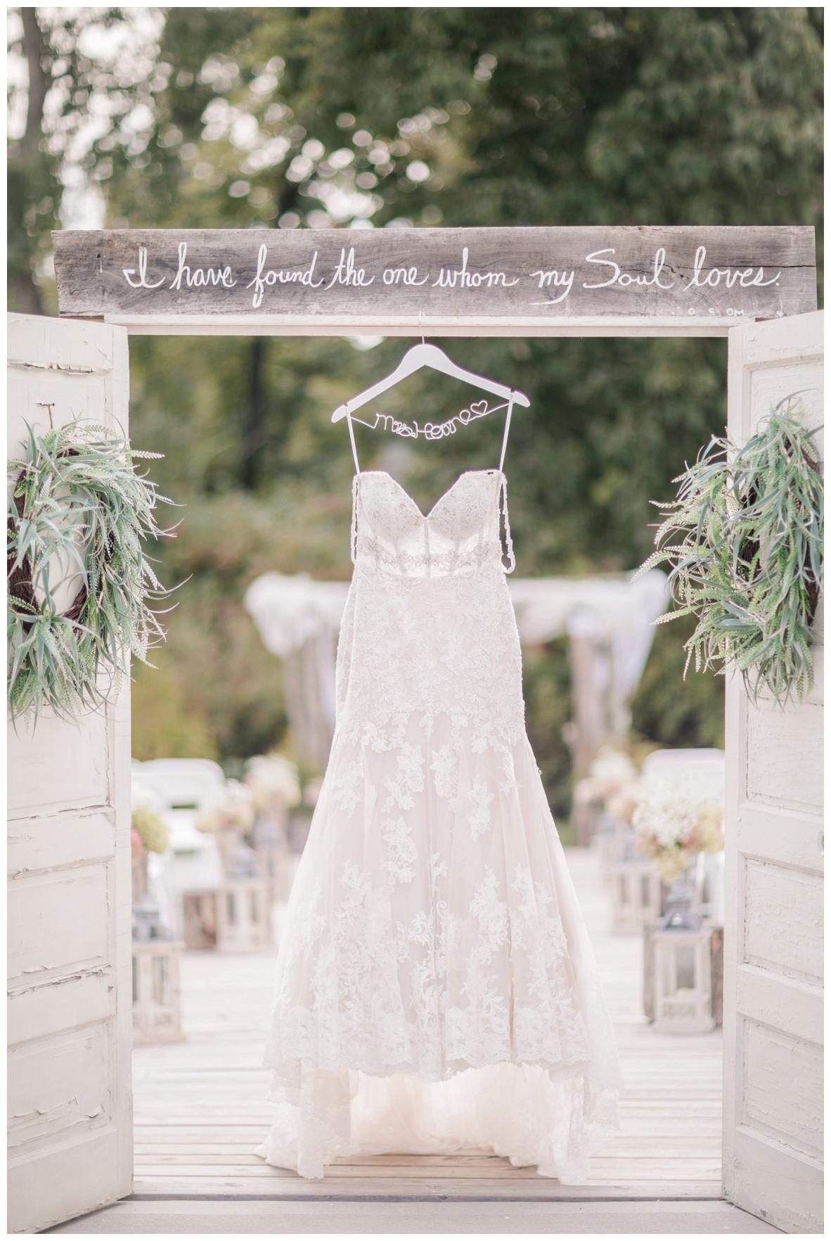 The Barn on Enchanted Acres Wedding_0008.jpg