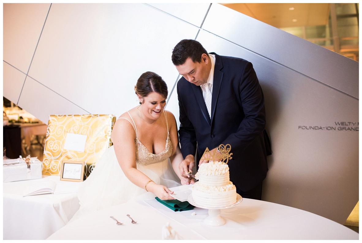 Akron Art Museum Wedding_0115.jpg