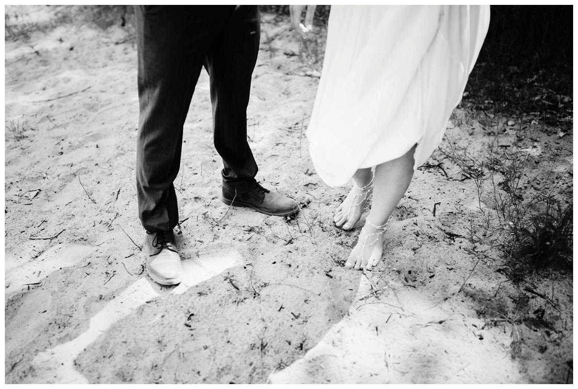 Mentor Headlands Beach Wedding_0035.jpg