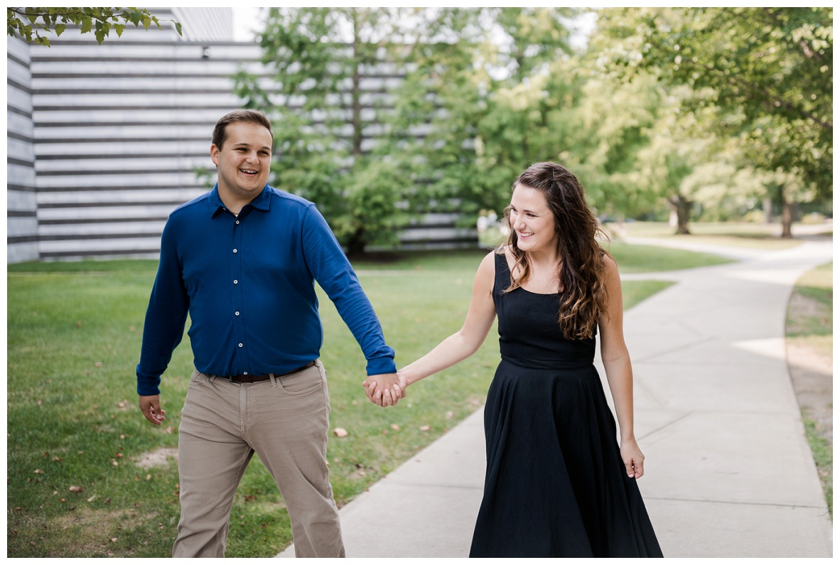 Cleveland Museum of Art and Edgewater Park Engagement Session_0002.jpg