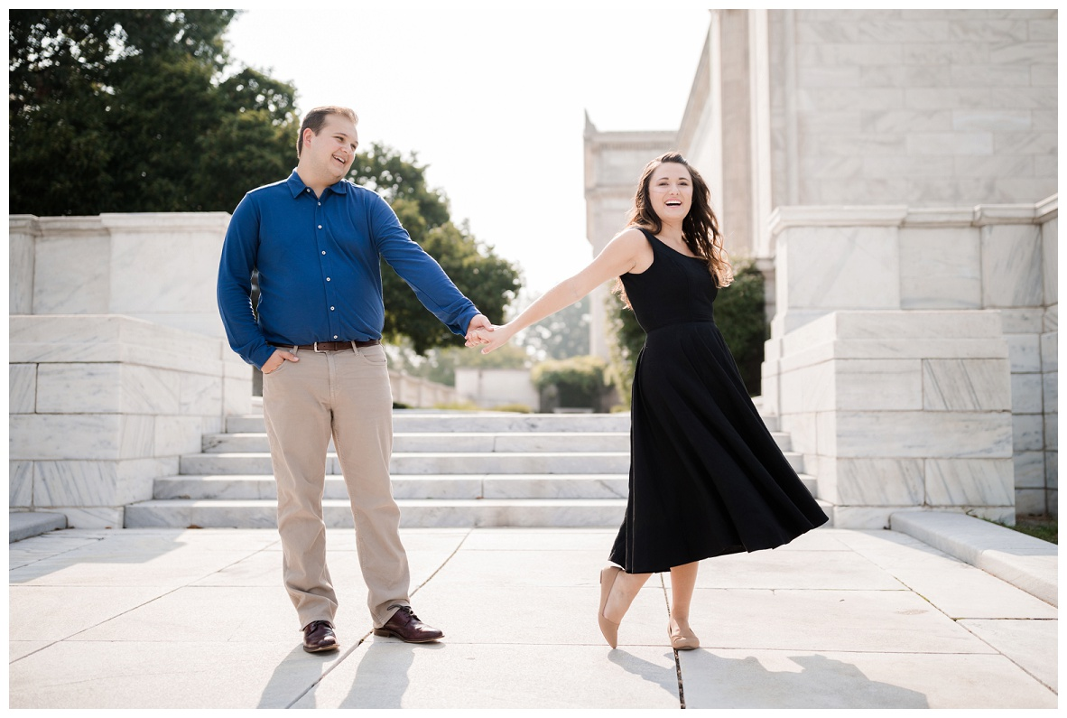 Cleveland Museum of Art and Edgewater Park Engagement Session_0004.jpg
