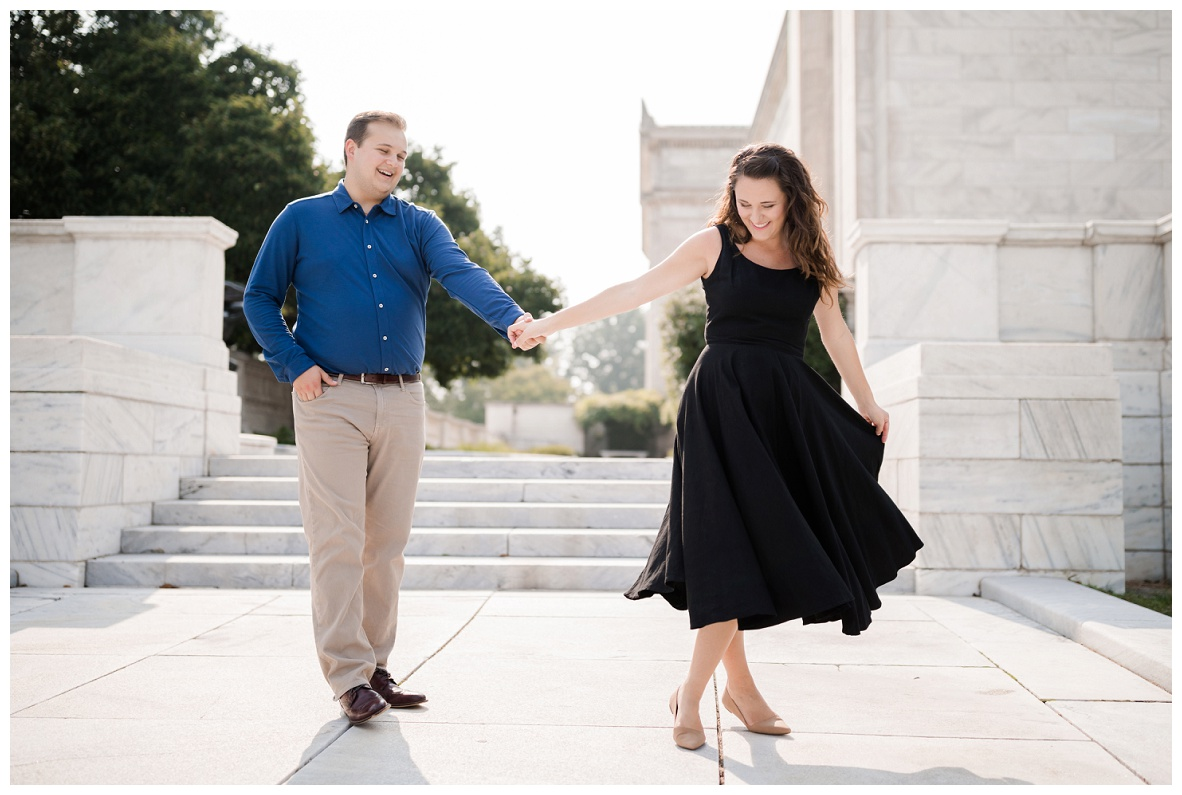 Cleveland Museum of Art and Edgewater Park Engagement Session_0005.jpg