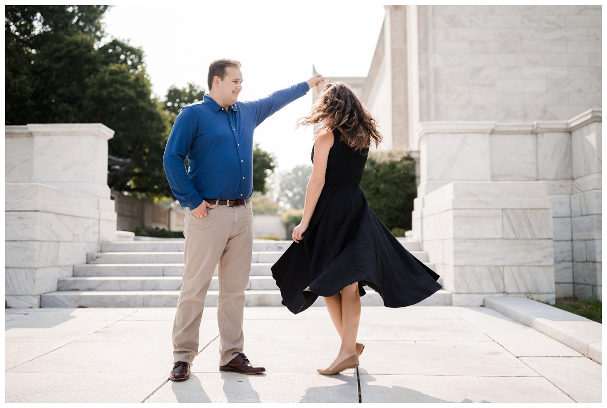Cleveland Museum of Art and Edgewater Park Engagement Session_0006.jpg