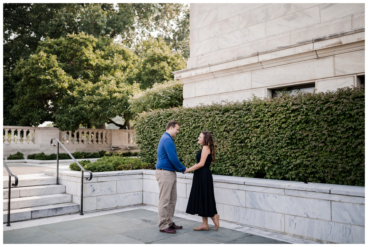 Cleveland Museum of Art and Edgewater Park Engagement Session_0010.jpg